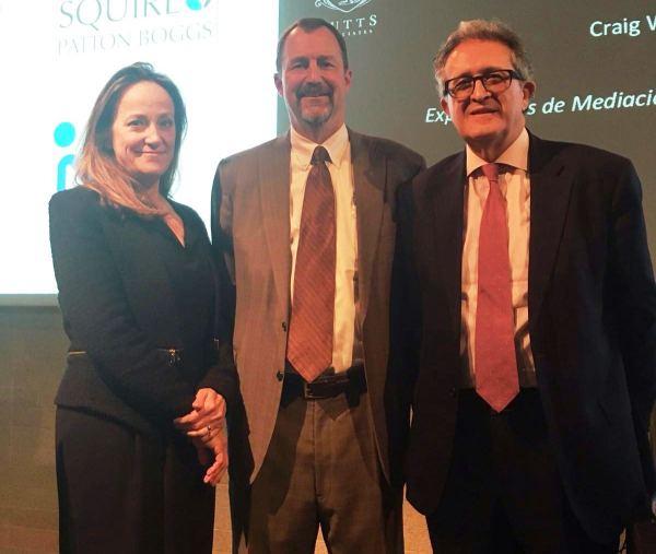 Luis Aurelio con Graig y Thelma.jpg