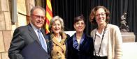Los tres premiados y la coordinadora de GEMME en Cataluña posan en una simpática foto de familia.
